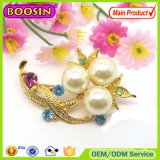 Fashion Crystal Rhinestone Pearl Flower Custom Brooch for Wedding Invitations