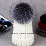 Factory Outlet Knitted Hat with Fur Ponpom in Low Price
