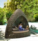 Fashionable Sunshine Lounge Beach Circular Garden Furniture Rattan Sunbed T689