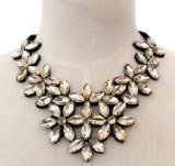 Lady Fashion Bead Flower Glass Crystal Choker Necklace Jewelry (JE0190-champagne)