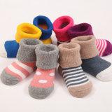 Baby′s Infants Newborn Full Terry Cotton Socks (KA403)