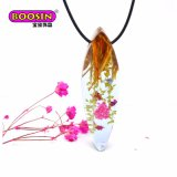 2017 New Design Fashion Jewelry Resin Wood Necklace with Real Dry Flower