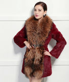 Women′s Real Rabbit Fur Coat with Super Big Raccoon Fur Collar