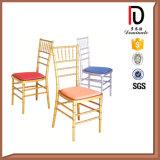 Good Quality Metal Durable Chiavari Chair with Cushion (BR-C013)