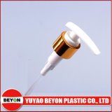 China Manufacture 24mm Golden Lotion Pump for Bottle Sealing Zy05-B007