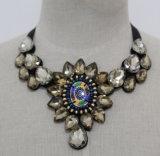Beaded Crystal Fashion Costume Jewelry Chunky Choker Collar Necklace (JE0087)