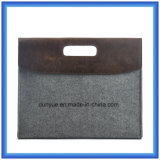 Fashion Eco-Friendly Portable Wool Felt Laptop Hand Bag, Customized Gift Laptop Briefcase Bag with Button Closing (wool content is 70%)