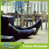 Anti-Pilling Multi Color Optional Long Men′s Striped Socks