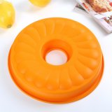 China Bakeware Supplier Silicone Cake Mold Wreath Cake Pan