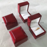 Mahogany Glossy Wood Single Ring Jewelry Box