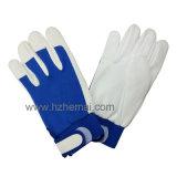 Leather gloves & earplugs