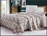 Cheap Wholesale Bedding Flannel Fabric Fleece Blanket
