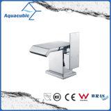 Square Base Brass Body Zinc Chromed Handle Cloakroom Tap (AF6090-6)