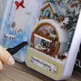 2017 Hot Selling Wooden Toy DIY Dollhouse
