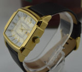Alloy dourado Anolog Quartz Man Watch com Date Window, Leather Band (210)
