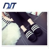 Premium Quality Colored Cotton Fleece Women′s Indoor Slippers Promotion