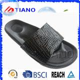 High Quality Fashion PVC Side Outdoor Man Slipper (TNK24952)