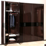 Guangzhou Manufacturer Wholesale Brown Lacquer 6-Door Wooden Bedroom Wardrobe (YG11316)
