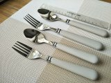 100% High Mirror Polishing Plastic Handle Flatware Set 24PCS