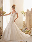 2014 New Arrivaled Ball Gown Charming Strapless Asymmetrical Sleeveless Appliqued Tulle White Black Lace Wedding Dress (HS070)