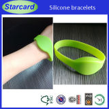 Waterproof Nfc Silicone RFID Wristband in Water SPA