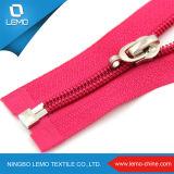 High Quality 32 Inch Coats Nylon Zippers for Coats