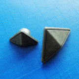 Triangle Metal Rivet for Jeans (RV00007)