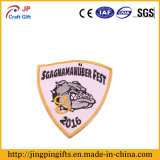 2017 New Design Iron-on Embroidery Badge for Clothes