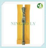 Plastic & Resin Zipper 3#, 4#, 5#, #7, 8#, 10#