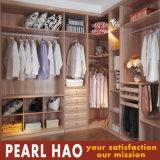 Customize Solid Wood Walk-in Closet Wardrobe Furniture