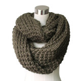 Lady Fashion Acrylic Knitted Chunky Infinity Scarf (YKY4376)