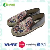 Beautiful Printing Design with PE Sole, Women′s Canvas Shoes