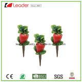 High Quality Resin Flowerpot Stake Mini Strawberry Figurine for Garden Ornaments