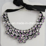 Lady Fashion Charm Glass Crystal Pendant Collar Necklace Jewelry (JE0213)