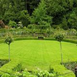 Artificial Grass for Landscaping with Classical Designs