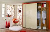 Modern UV High Gloss Sliding Door Bedroom Wardrobe Closet (HF-WB031)