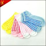 Custom Design Jacquard Women's Cotton Ankle Socks Wholesale