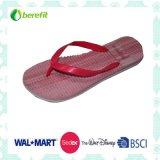Women′s Slipper with Bright Color, PVC Straps and EVA Sole
