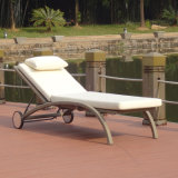 Outdoor Garden Leisure Furniture Rattan/Wicker Patio Beach Lounge Adjustable Easy Folding Swimming Pool Deck Chair with Wheels
