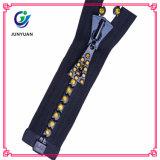Fashion Accessory China Diamond Zipper with Custom Zipper Pulls
