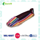 Canvas Shoes with Colorful and Beautiful Appearance