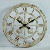 旧式な様式の一義的な金属の柱時計デザイン