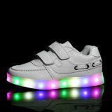 Leuchtende LED Schuhe der neuen Kind-für Jungen-Mädchen