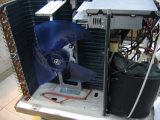 De muur zette Gespleten Airconditioner (Reeks X) op