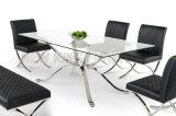 夕食部屋のダイニングテーブルはビーチチェアのダイニングテーブルの家具(NK-DTB007)によってセットした