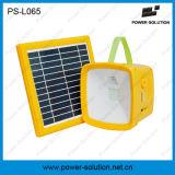 Lumière d'énergie solaire avec radio fm