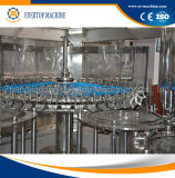 Bouteille buvant la machine de remplissage pure de l'eau