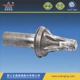 熱い鍛造材による鍛造材の鋼管の部品