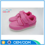 2016 chaussures colorées des gosses DEL de mode, chaussures courantes de simulation