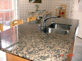 Importierte Granitbaltische Brown-Eitelkeit übersteigt kundenspezifische Countertops